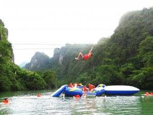 Thousands of people coming to Phong Nha Ke Bang on the first days of the year