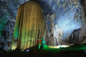 Daily tour to Paradise Cave