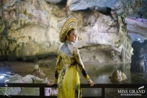 """76 girls """"Miss Grand International 2017"""" visited the Paradise cave"""